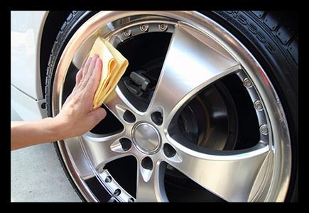 Bánh xe hợp kim tùy chỉnh của bạn yêu cầu chú ý cẩn thận khi làm sạch chúng.